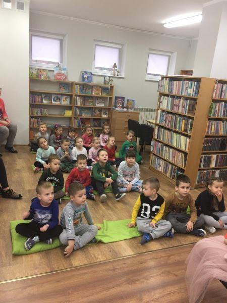 Cykliczne spotkanie w bibliotece
