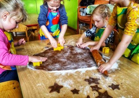 Pieczenie i dekorowanie pierniczków czyli świątecznych przygotowań ciąg dal