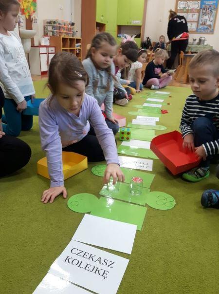 Gra planszowa - Zbieramy jabłka w sadzie